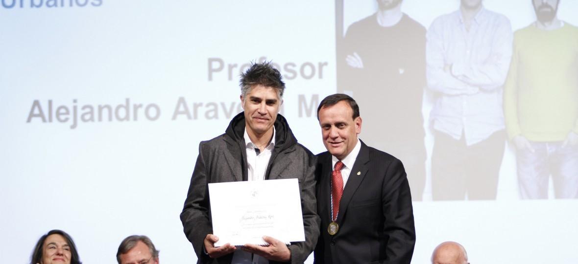 El arquitecto alejandro aravena recibe premio uc abd n - Alejandro aravena arquitecto ...